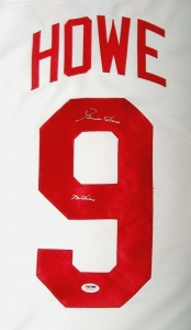 GORDIE-HOWE-9-Autographed-Detroit-Red-Wings-NHL.jpg